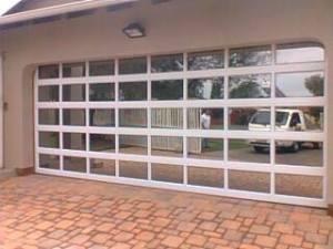 model pintu garasi aluminium